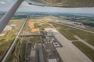 Flughafen Leipzig Halle, Vorfeld, Passagierterminal und DHL Logistikhub