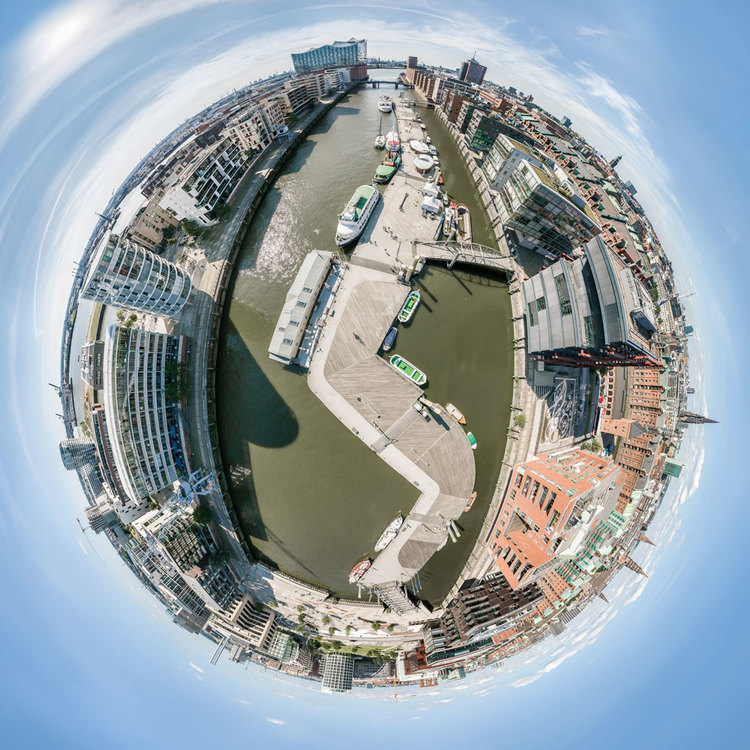 360° HDR Panorama im Little Planet Effekt der Hafencity in Hamburg